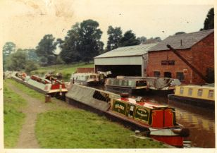 eileen vedmore and patterson bot Lock Braunston 70s