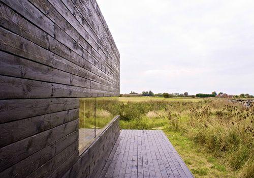 03-Stealth-Barn-porch-end