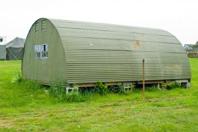 261989_The-Quonset-Hut_400