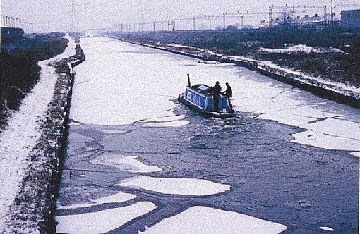 Bittell breaking Ice on the New Main line Canal, heading towards Wolverhampton. Circa 1970's.
