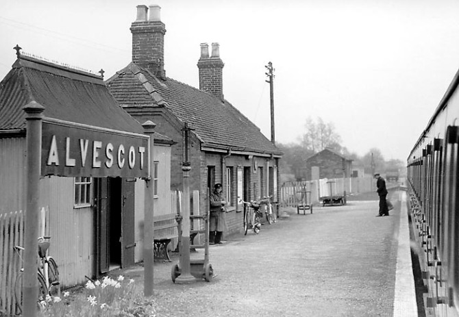 Alvescot_Station_1959