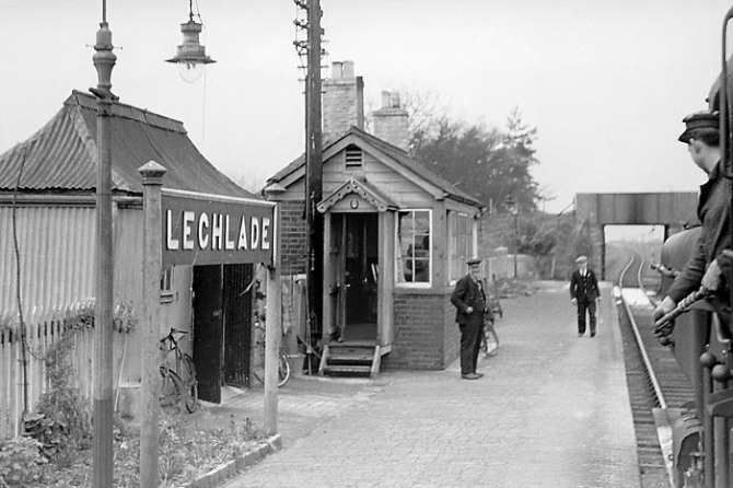 Lechlade_Station_1959
