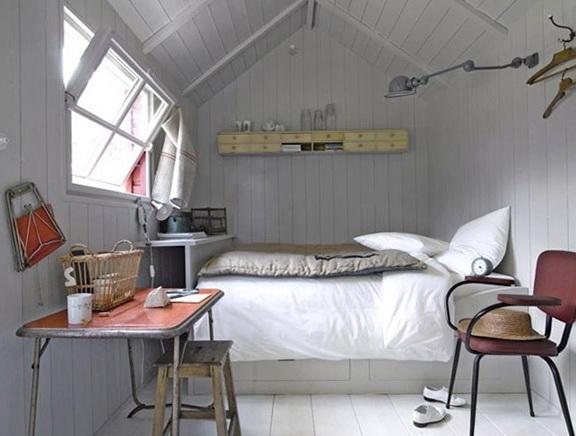 4-bright-bedroom