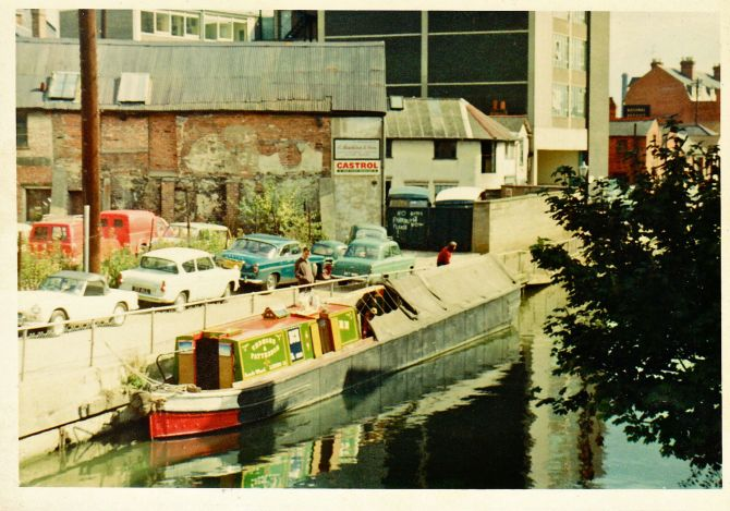 eileen.Vedmore Patterson.Leeds Wharf atReading 70sMick Ved at forend 0023