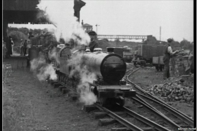 _48355472_tomthumbrailway
