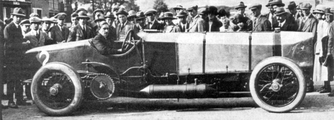 Count_Zborowski_With_Chitty_Bang_Bang_1_At_Brooklands