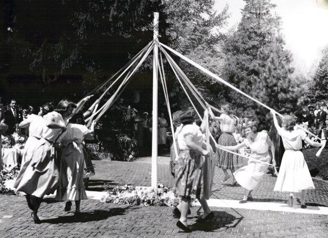 may-pole-dance-1951