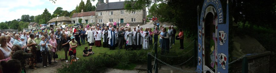 tissington-well-dressing-and-blessing-2011-44