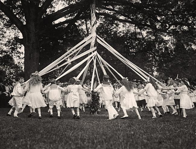 Friendship-Charity-Maypole-Dance