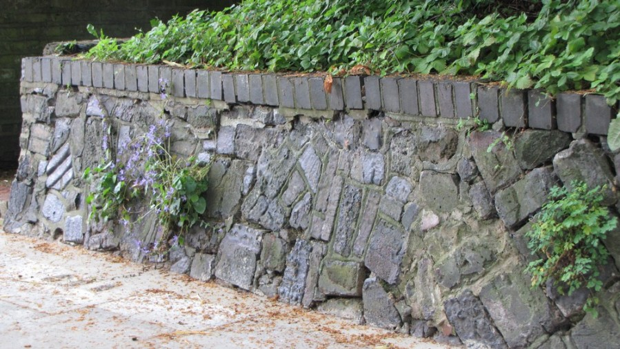 210-wall-of-no.1-broadlands-road-probably-from-heath-brick-works