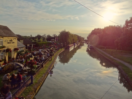 Savouring a Summer Evening – Canalside