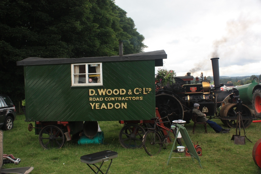 D.Wood_&_Co._-_Living_Van_at_Masham_09_-_IMG_0095