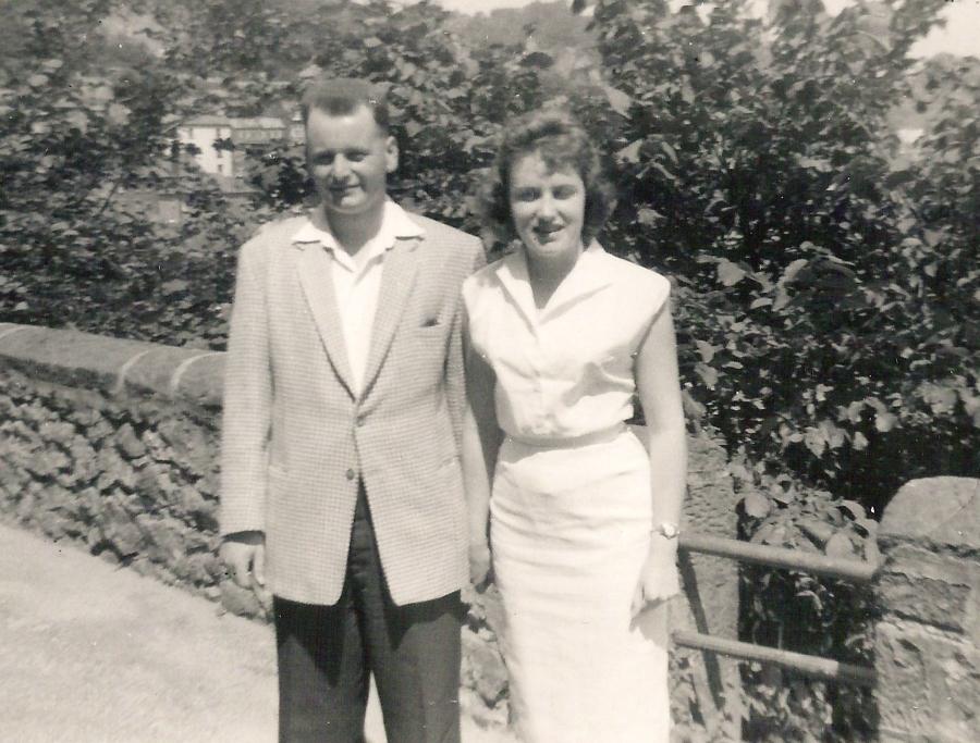 mumdadtemplewalk1959